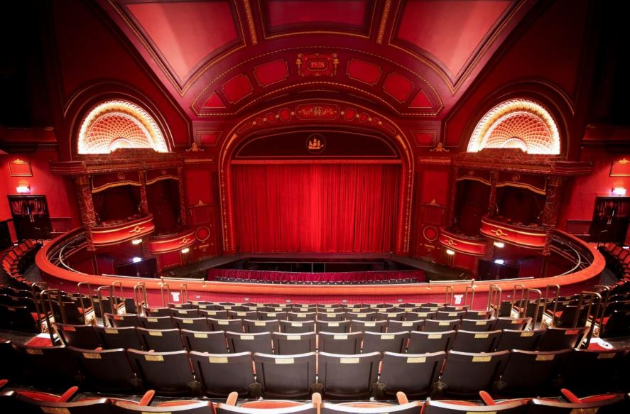 CASE STUDY: DULUX TRADE RAISES THE CURTAIN WITH PAINT SCHEME FOR GRADE II LISTED THEATRE REFURB